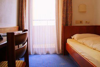 Einbettzimmer-2