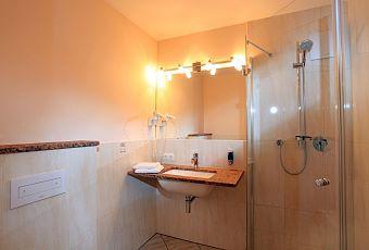 Einzelbettzimmer-Bad-1
